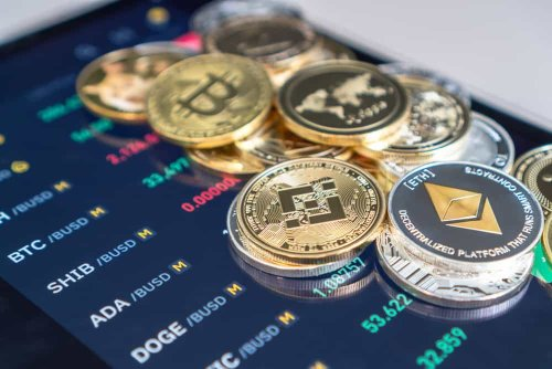3 largest cryptocurrencies account for almost 70% of all crypto market's value