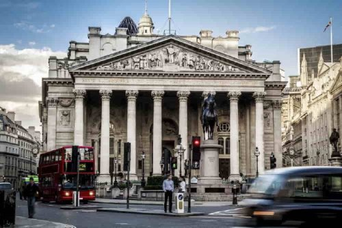 Bank of England will scramble to buy BTC before it hits $1 million, Bitcoin expert projects