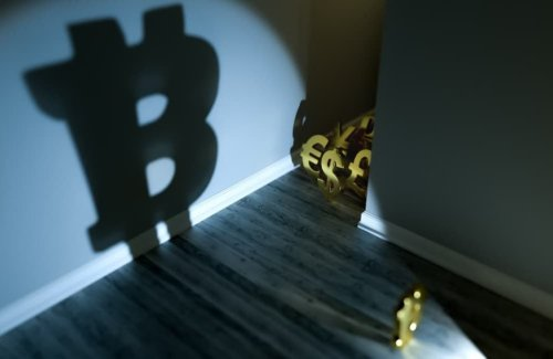 Hundreds of US banks ask for bitcoin as customers pour money into crypto exchanges