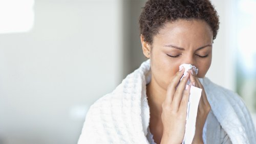 10 Natural Remedies to Nix Sinus Pressure, Itchy Throat, and Coughing All Year Round