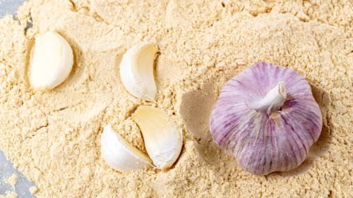 This Simple Trick Will Make Garlic Powder Taste More Like the Real Thing