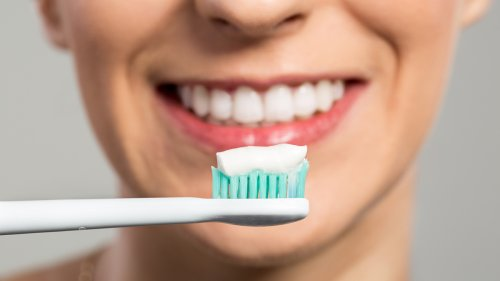 4 Tips For Easily Removing and Preventing Tartar Buildup on Your Teeth