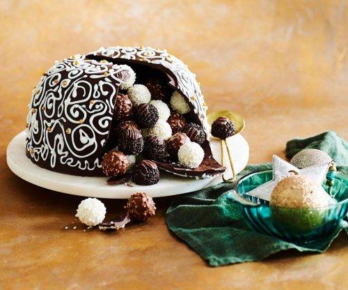Chocolate Christmas Smash Cake