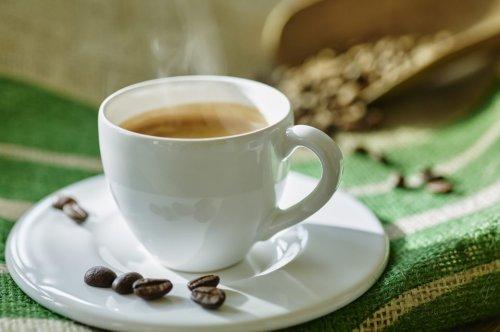 Wie wird Kaffee eigentlich entkoffeiniert?