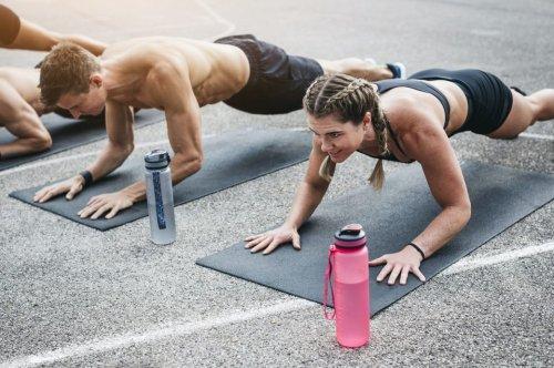 3 Übungen, die Bauchmuskeln effektiver trainieren als Sit-ups