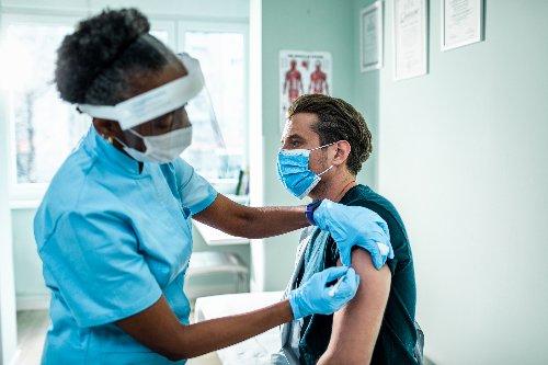 Impf-Priorisierung könnte im Mai enden, schätzt die KBV - FITBOOK