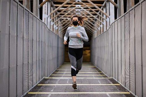 Regelmäßiger Sport kann vor schwerem Covid-Verlauf schützen - FITBOOK