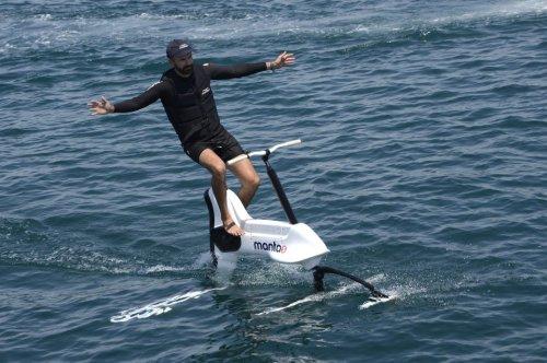 Mit dem Rad übers Wasser düsen – Foilbiking macht's möglich
