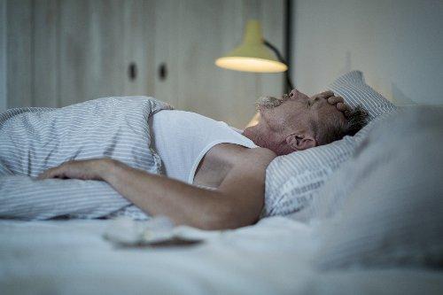 Zu wenig Schlaf bei Menschen zwischen 50 und 70 erhöht Demenzrisiko - FITBOOK