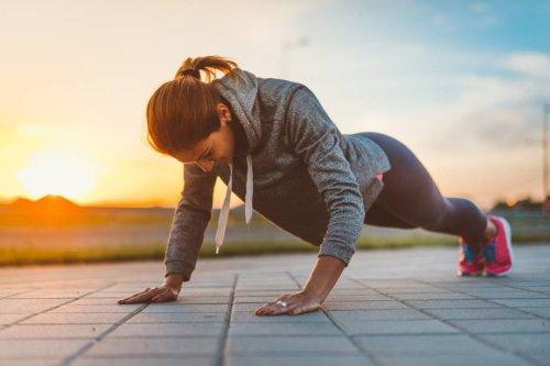 Fettverbrennung anregen: 6 effektive Übungen, für die du keine Geräte brauchst - FIT FOR FUN