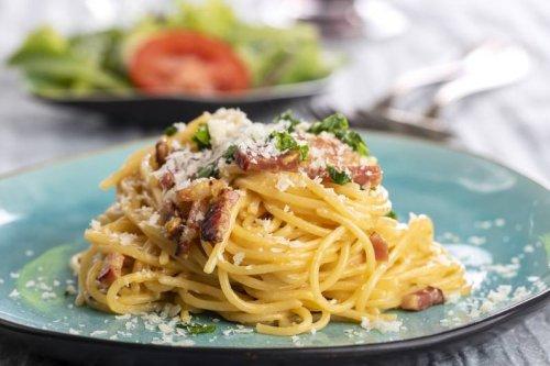 Rezept von Steffen Henssler: So gelingen echt italienische Spaghetti Carbonara - FIT FOR FUN