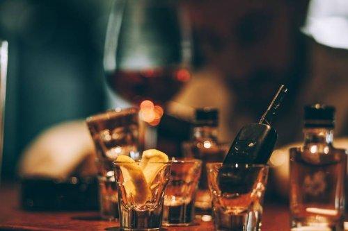 Forscher finden heraus: Mit diesen zwei Fragen erkennst du einen Alkoholiker
