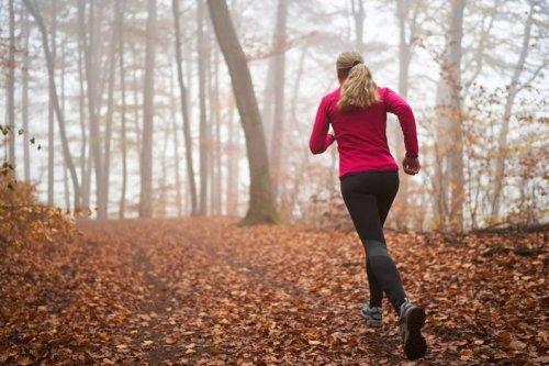Fünf simple Tipps: Wie Du dich im Herbst zum Joggen motivierst - FIT FOR FUN