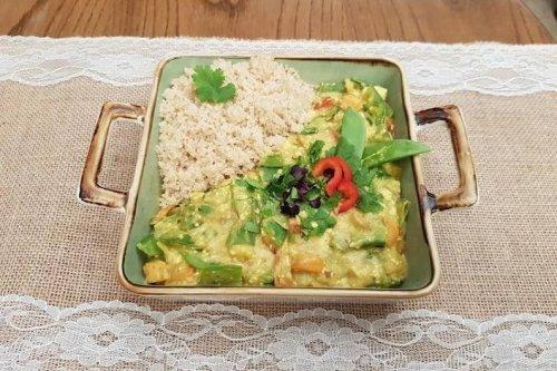 Einfaches Zuckerschoten-Curry mit Couscous