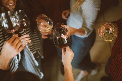 Warum du während deiner Periode niemals Alkohol trinken solltest - FIT FOR FUN