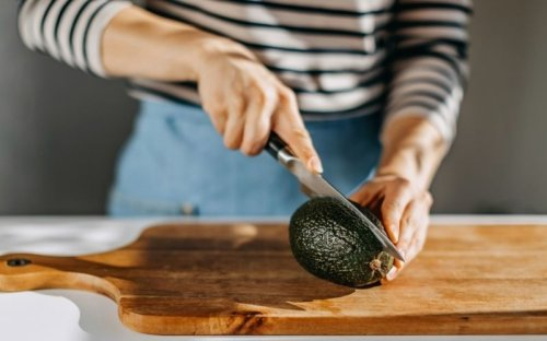 Avocado Nutrition: 7 Good Reasons to Eat More Avocados - Fitwirr