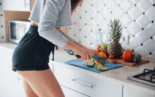 15 Daily Habits That'll Help You Lose 10 Pounds in a Month - Fitwirr