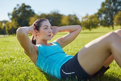 How to Do Crunches Correctly for a Better Ab Workout - Fitwirr