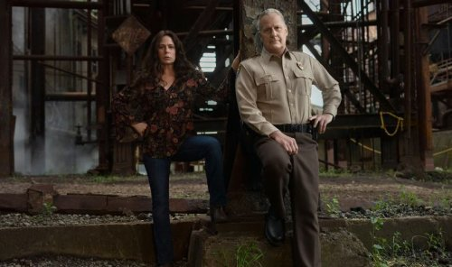 First trailer for American Rust starring Jeff Daniels and Maura Tierney