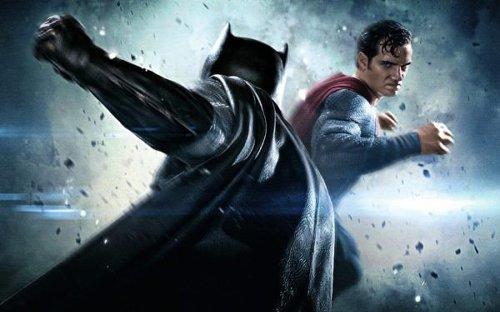 Zack Snyder reveals alternate Batman v Superman: Dawn of Justice titles
