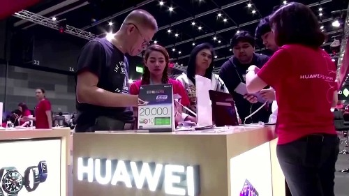 Trump stops suppliers to Huawei: sources
