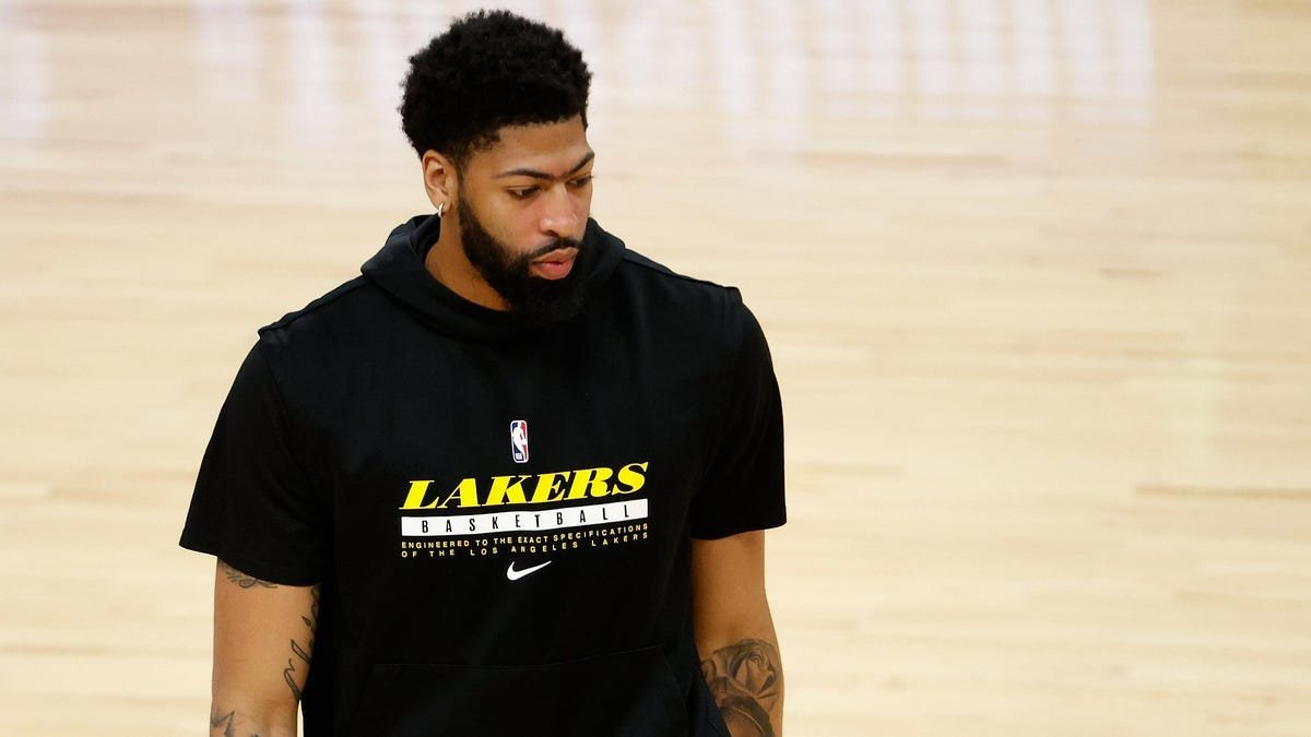 HEAR ME OUT: The Lakers need to sit Anthony Davis tonight