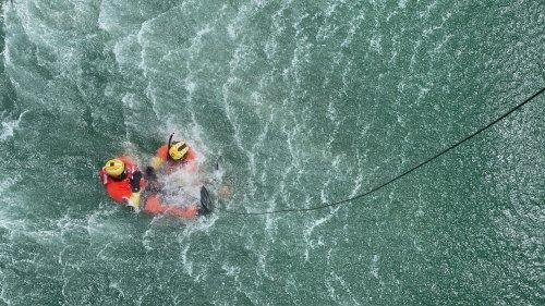 Inside a dramatic Coast Guard sea rescue