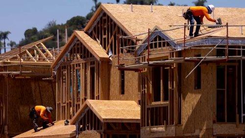 Exorbitant lumber hampers U.S. homebuilding