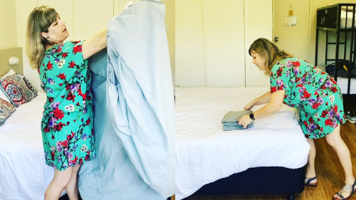 'Australian Woman Shares an Easy Trick to Fold Fitted Sheets'
