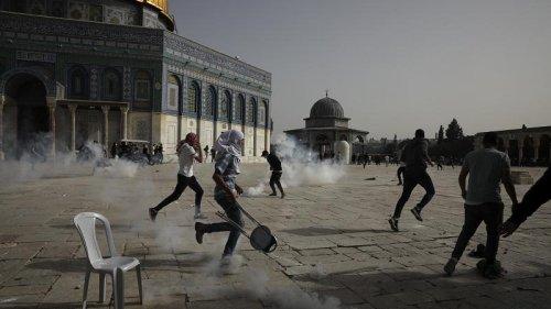 Hamas rockets target Tel Aviv after Israeli airstrikes hit Gaza
