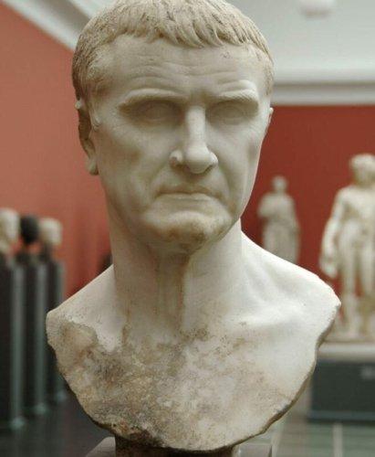 """Marcus Licinius Crassus: The """"Bill Gates"""" Of Ancient Rome"""