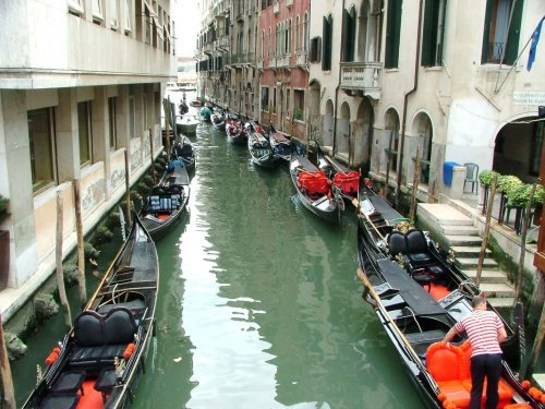 Most Beautiful Palaces and Landmarks Not to Miss in Venice Italy