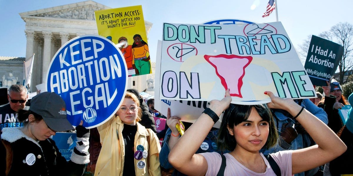 Supreme Court takes up case challenging Roe v. Wade