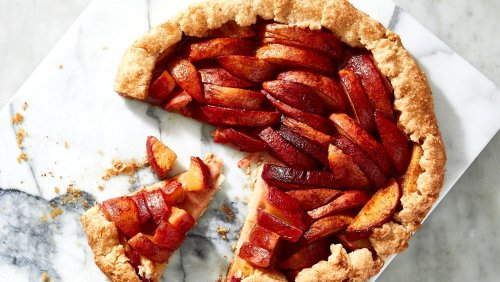 This Easy Peach Galette Will Make You Forget Pie E