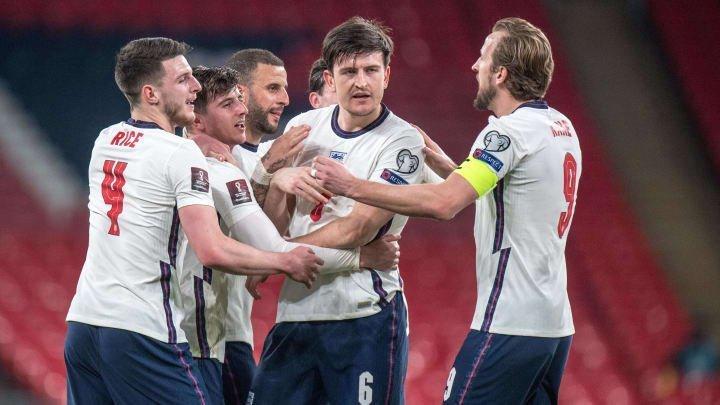 Gareth Southgate names 33-player England squad