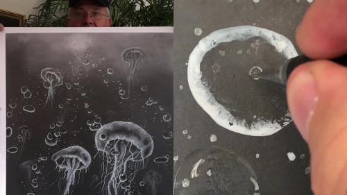 'Pencil artist creates SUPER-REALISTIC Jellyfish drawing '