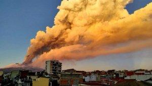 Italian Sky Turns Bright Orange as Mount Etna Violently Erupts
