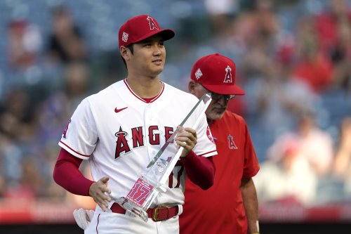 AP source: Ohtani donates HR Derby earnings to Angels' staff