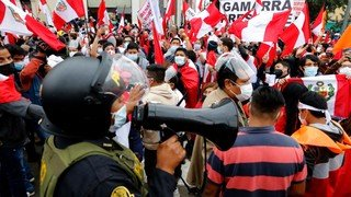 Rival protests in Peru as tensions rise over presidential vote