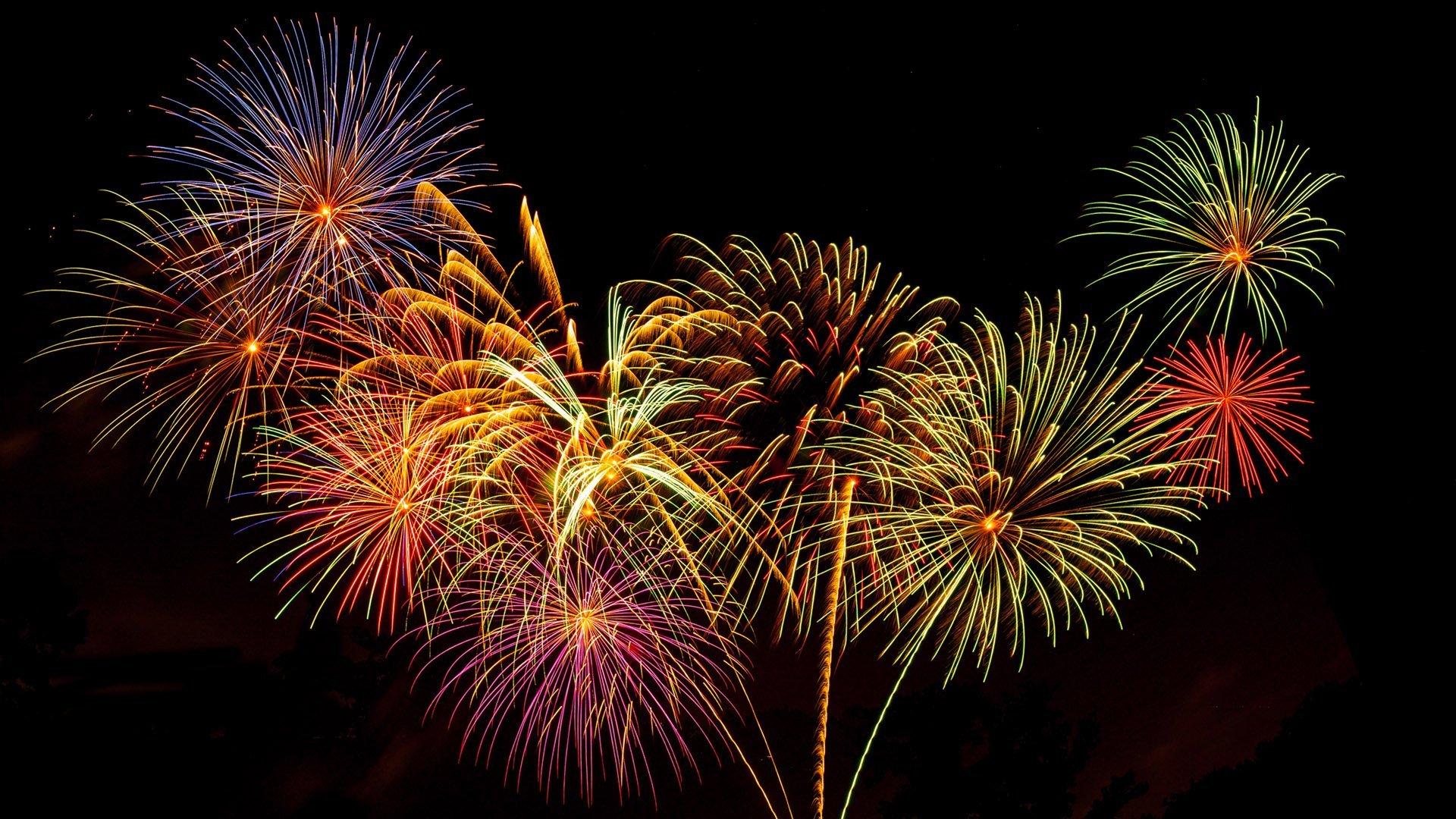 Light up the night sky: Firework photography