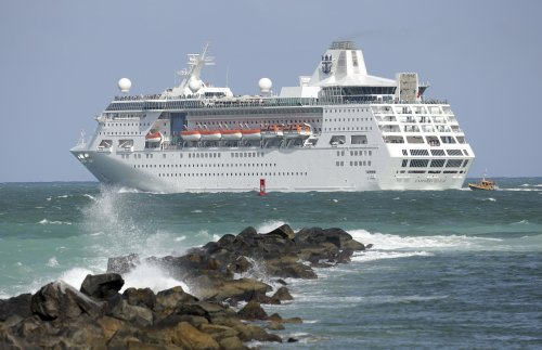 Judge rules for Florida on CDC order blocking cruise ships