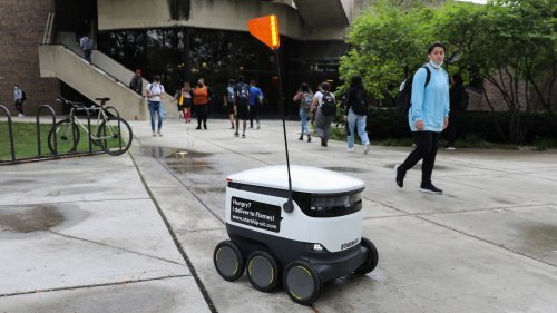 Starship robot food delivery at UIC