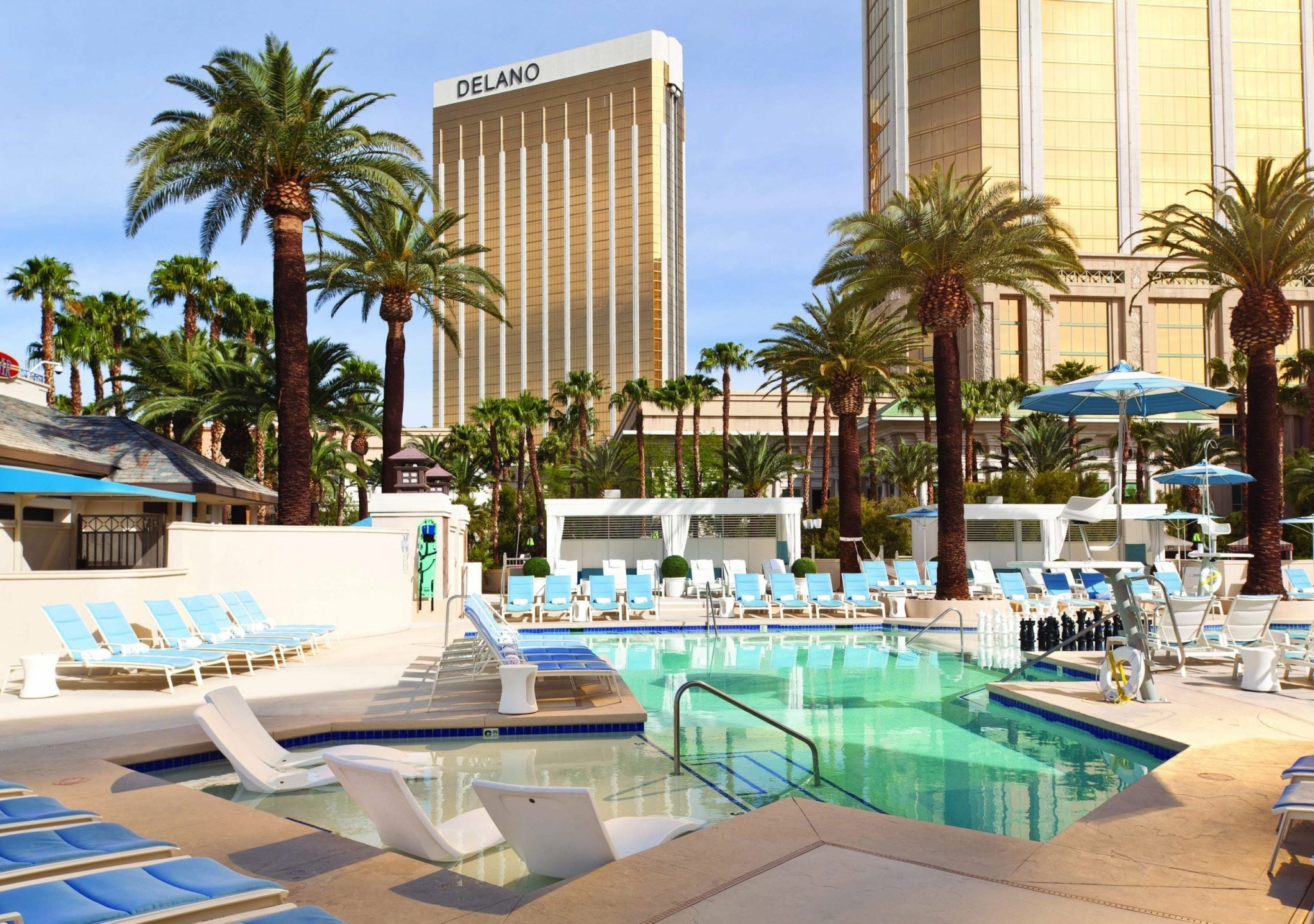From Hawaii To Vegas: A Closer Look At Some of Our Favorite U.S. Hotels
