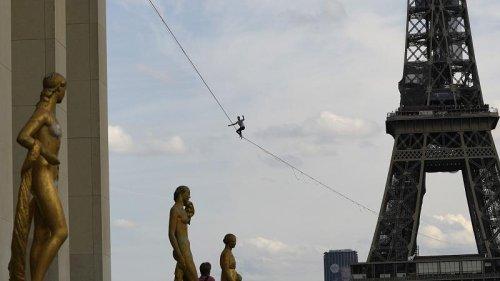 French tightrope walker completes 600-meter walk on slackline in Paris