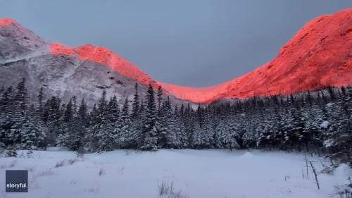 Snow-Dusted Mount Washington Bathed in 'Epic Light' During New Hampshire Sunrise