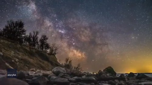 Photographer Captures Timelapse View of Night Sky Over Lake Winnipeg