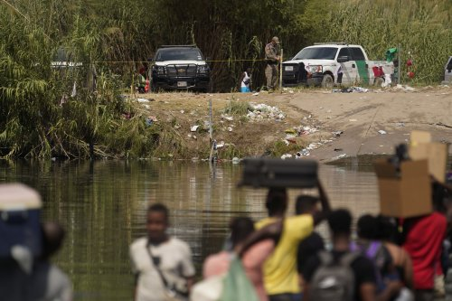 US ramps up plan to expel Haitian migrants gathered in Texas