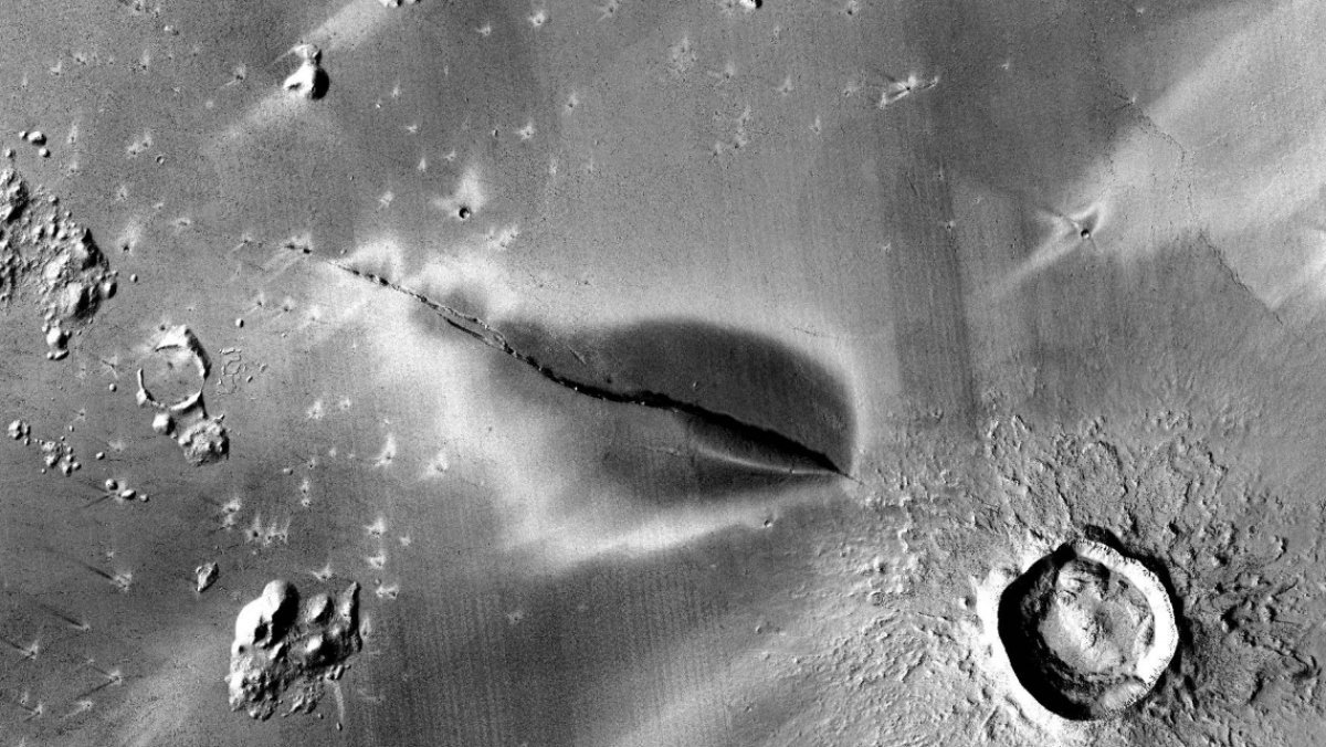 Recent Volcanic Activity on Mars Hints at Possible Life