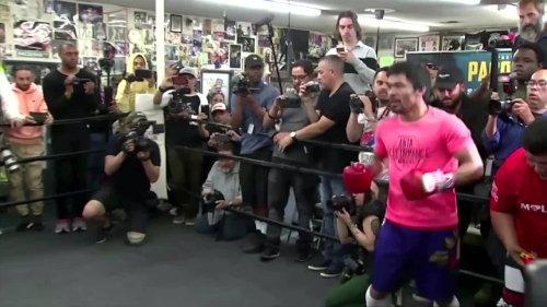 Boxing champ Oscar de la Hoya to end retirement