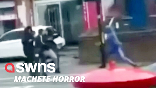 UK thugs chase a man after hacking at him with giant knives and machetes